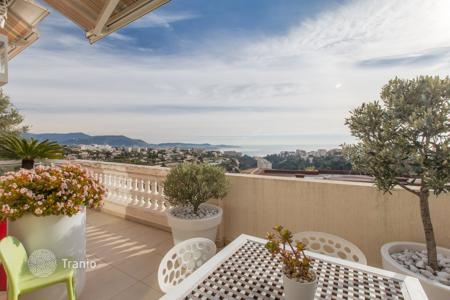 3 bedroom apartments for sale in Nice. Magnificent apartment-villa with terrace, sea view and garden — Nice West