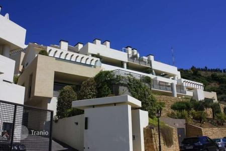 6 bedroom apartments for sale in Andalusia. Huge duplex penthouse with amazing views