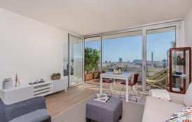 1 bedroom apartments for sale in Barcelona. Apartment with a terrace and luxurious finishings, in a guarded residence with a pool, close to the sea, Diagonal Mar, Barcelona