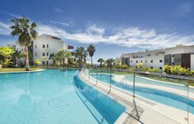 2 bedroom apartments for sale in Benahavis. Penthouse for sale in Los Flamingos Golf, Benahavis