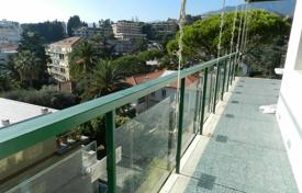 4 bedroom apartments by the sea for sale in Sanremo. Apartment – Sanremo, Liguria, Italy