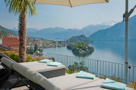 Houses with pools for sale in Lombardy. Top Class Villa with Spectacular Views