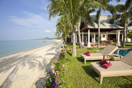 5 bedroom villas and houses to rent overseas. Villa near the sea in the area of Maenam