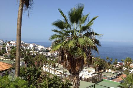 Townhouses for sale in Tenerife. Terraced house – Los Gigantes, Canary Islands, Spain
