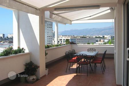 2 bedroom apartments for sale in Croatia. New two-bedroom penthouse facing the sea, mountains and the city of Split, Croatia