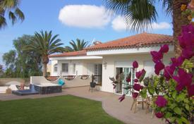 Residential for sale in Chayofa. Charming villa with indoor pool near Los Cristianos
