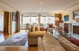 Luxury 5 bedroom apartments for sale in Catalonia. Wonderful luxury flat with terrace, located in the exclusive area of La Bonanova