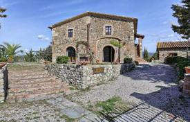 Traditional villa with a pool and an olive grove in Santa Luce, Tuscany, Italy for 1,050,000 €