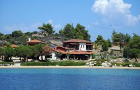 Luxury 5 bedroom houses for sale in Southern Europe. Villa – Sithonia, Administration of Macedonia and Thrace, Greece