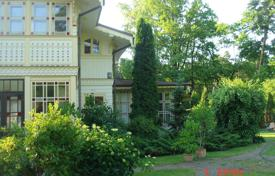 Houses for sale in Kegums municipality. Two-storey house with a garden in the center of Jurmala