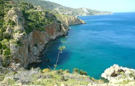 Coastal development land for sale in Heraklion. Development land – Heraklion, Crete, Greece