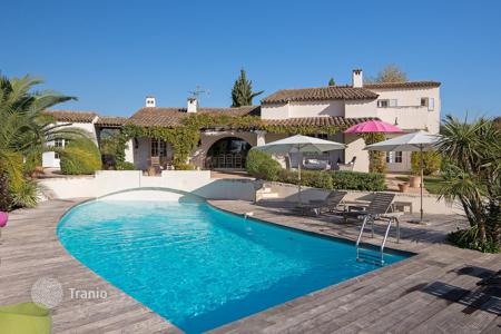 Luxury 5 bedroom houses for sale in Saint-Paul-de-Vence. Saint-Paul de Vence — Renovated property