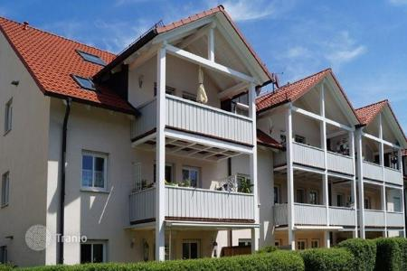 3 bedroom apartments for sale in Bavaria. Two-level apartment with a balcony in the district Waldperlach in Munich