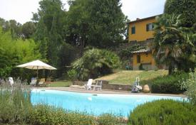 Two-level restored villa with a pool in Florence, Tuscany, Italy for 1,950,000 €