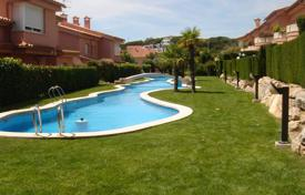 Coastal residential for sale in Sant Feliu de Guixols. Town house Costa Brava