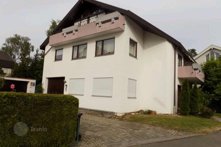 Houses for sale in Baden-Wurttemberg. Cottage in Weinstadt