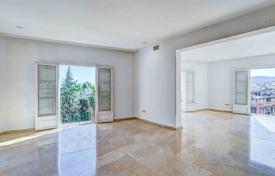 Coastal property for sale in Balearic Islands. Apartment with picturesque views in the prestigious area, Palma de Mallorca, Spain