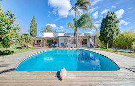 House with pool, garden, bbq and privacy for 965,000 €
