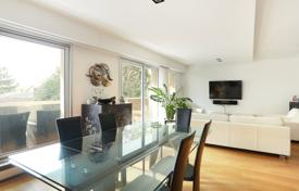 Luxury 6 bedroom apartments for sale in Europe. Neuilly-sur-Seine. A six-bed family apartment