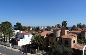 Apartments with pools for sale in Costa Dorada. Apartment – Mont-roig del Camp, Catalonia, Spain