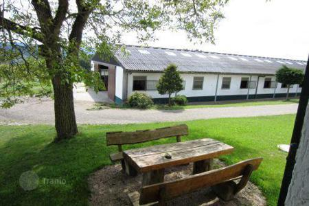 Business centres for sale in Hessen. Stunning equestrian center near Frankfurt