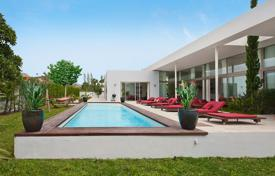 Luxury houses for sale in Majorca (Mallorca). Luxury villa with a swimming pool, a jacuzzi and a garden, Puerto Pollença, Spain