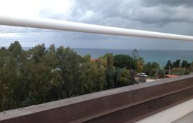 Apartments for sale in Calabria. Penthouse with terrace and sea view in Briatico, 400 meters from the beach