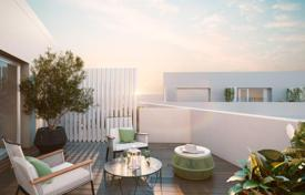Property for sale in Sant Martí. Duplex apartment with garden 11 m² and a garage in new building, Barcelona, Poblenou area