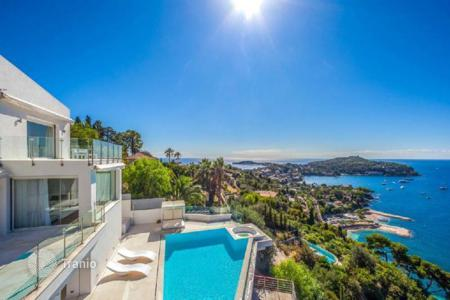 Luxury 3 bedroom houses for sale in Villefranche-sur-Mer. Villa – Villefranche-sur-Mer, Côte d'Azur (French Riviera), France