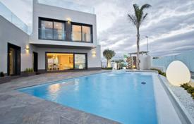 Villas and houses with pools for sale in Valencia. Modern design villa in Alicante