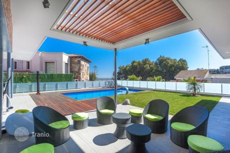 Luxury houses for sale in Castelldefels. Villa – Castelldefels, Catalonia, Spain