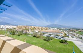 Wonderful penthouse overlooking the sea and the mountains in San Pedro de Alcántara, Andalusia, Spain for 620,000 €