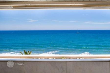 Luxury 2 bedroom apartments for sale in Andalusia. Luxurious beachfront apartment next to Marbella Centre