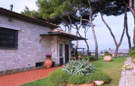 Luxury property for sale in Porto Santo Stefano. Luxury villa with private access to the beach in Porto Santo Stefano, Italy