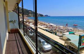 Luxury residential for sale in Alassio. Alassio luxury and large apartment on the sea