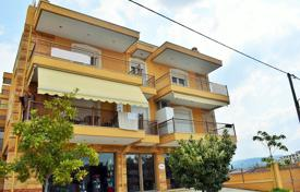 Property for sale in Southern Europe. Bright flat with a balcony and mountain views in a residence with a lift, Thessaloniki, Halkidiki, Greece