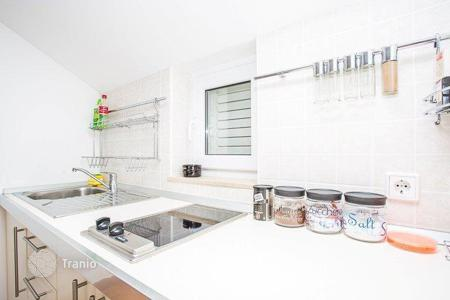 Cheap residential for sale in Split-Dalmatia County. Apartment in Bol
