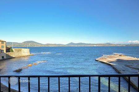 4 bedroom houses by the sea for sale in Saint-Tropez. Rare waterfront town house Saint Tropez
