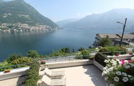 Coastal townhouses for sale in Lombardy. Townhouse with spectacular views of Lake Como