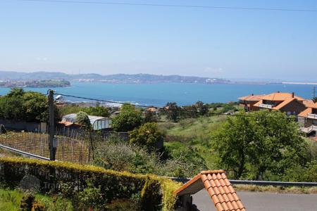 3 bedroom houses by the sea for sale in Asturias. Villa – Gijón, Asturias, Spain