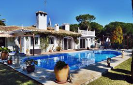 Spacious villa with a private garden, a pool, a garage and terraces, Calahonda, Spain for 695,000 €