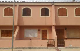 Bank repossessions terraced houses in Spain. Terraced house – Los Alcazares, Murcia, Spain