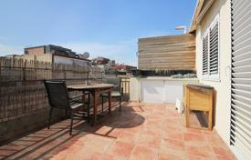 Cheap apartments for sale in Catalonia. Penthouse with a terrace in Badalona