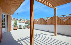 Coastal property for sale in Côte d'Azur (French Riviera). Exceptional Duplex apartment on top floor with terrace 37sqm
