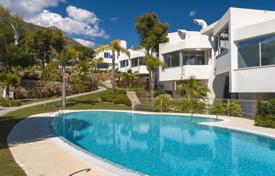 Luxury townhouse with a pool in the area of Sierra Blanca, Marbella, Spain for 2,165,000 €