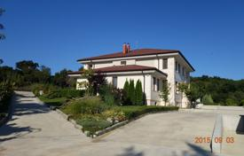 Houses with pools by the sea for sale in Burgas. Detached house – Kosharitsa, Burgas, Bulgaria