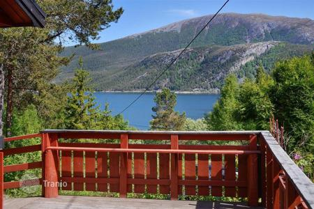 Property for sale in Norway. The cozy cottage overlooking the sea, Western Norway