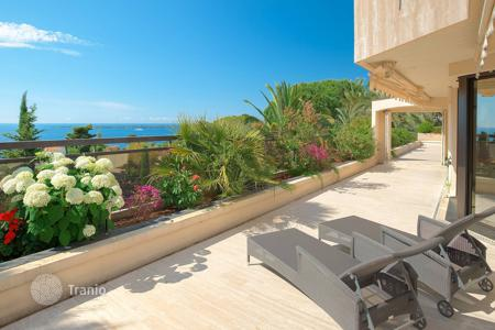 5 bedroom houses for sale in Vallauris. Cannes — Eden — Panoramic sea view