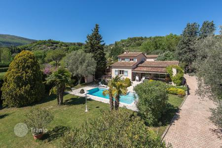 4 bedroom houses for sale in Chateauneuf-Grasse. Cannes backcountry — A breath of fresh air