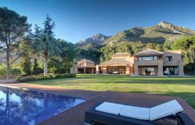 Luxury 6 bedroom villas and houses to rent in Andalusia. Villa Dominguez, Golden Mile, Marbella